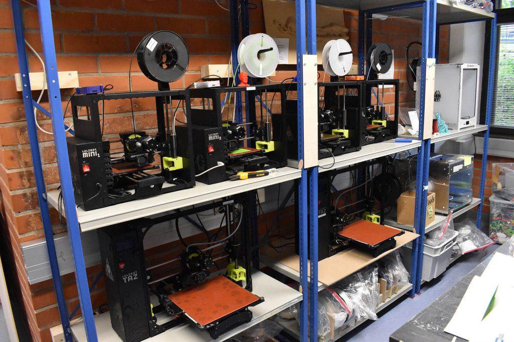 アアルト大学のAaltoFablabの機械設備